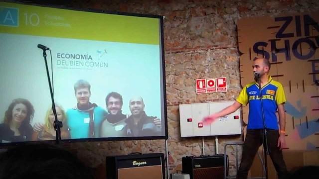 Pecha Kucha de Angaraveca en el Zincshower del Matadero de Madrid
