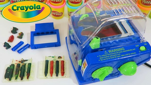 Crayola Crayon Maker Original Version Play Kit   Easy DIY Make Your Own Crayola Crayons!