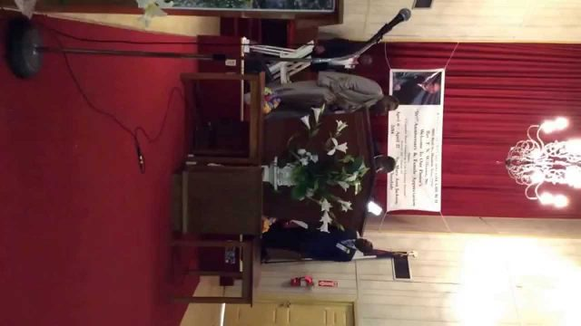 Pastor William Lott of Chicago,Illinois preaching sons day at Antioch Missionary Baptist Church