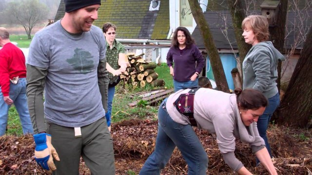 Wellspring Home Gardening Course 2012 – Building Compost Pile