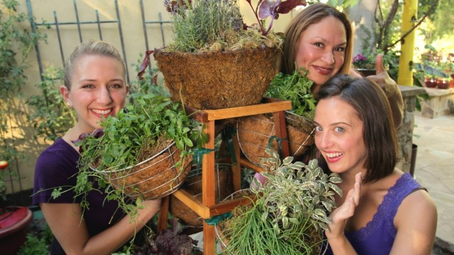 """Vertical Herb Garden That Spins and Functions Like a """"Living Spice Rack!"""""""