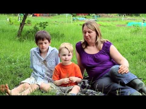 Allotment Gardening with Children – Growth Stays, Dirt Goes from Persil