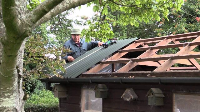 How to re-roof a shed with Onduline corrugated roofing sheets
