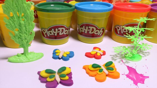 Mariposas De colores de  plastelina –  Play Doh Butterfly Colours | Garden kids