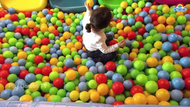 Ball Pool and Ball Slides for Kids * Play Garden TV