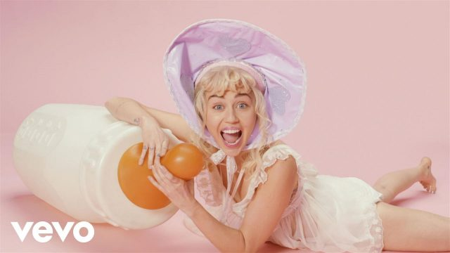 Miley Cyrus – BB Talk