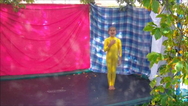 Erifilly – Garden Trampoline – Basic Cool Tricks ! Watch and Learn !!! :)X