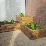 Build a cheap and easy wooden planter box