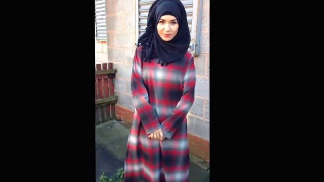 Www.immehabayas.co.uk – red checked wooly abaya with pocket