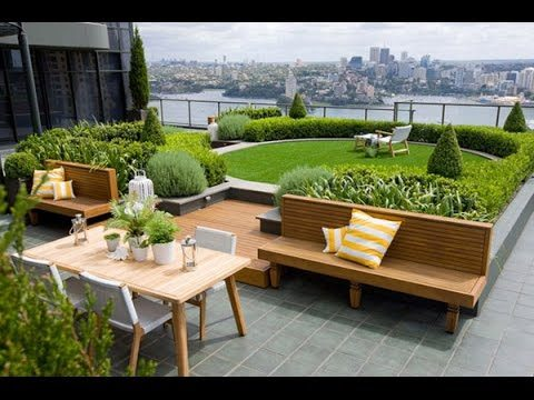 Amazing Rooftop Garden Nestled Between Skyscrapers