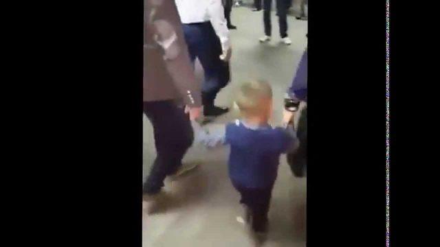 Mali Decak iz Prijepolja igra Kolo