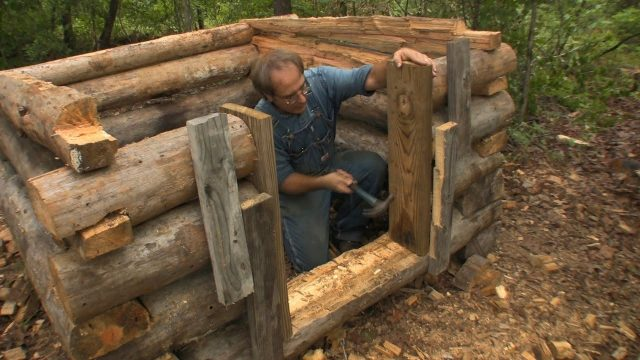 Building a Small Log Chicken House – The Farm Hand's Companion Show, ep 10