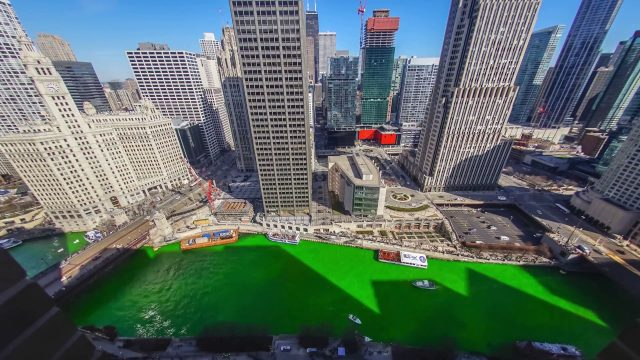 Timelapse Shows Chicago River Turn Green for St. Patrick's Day