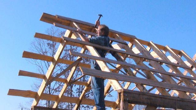 Old-fashioned Pole Barn, Pt 4 – Framing the Roof – The Farm Hand's Companion Show, ep 9