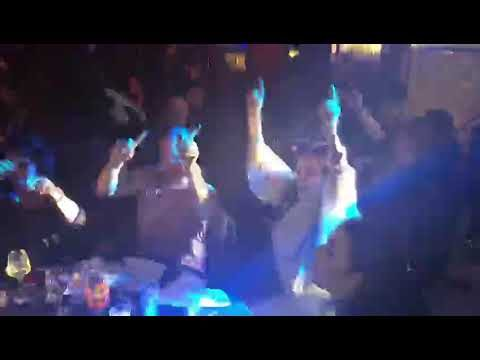 Ceca Raznatovic igra uz trubace na slavlju – punoletstvu sina Ace Lukasa! Dejan Petrovic!