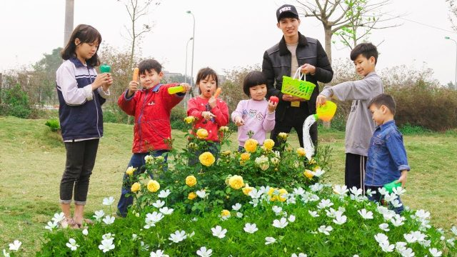 Kids go to Garden Learn Grow Vegetable | Kids Learn Colors Sandwich Song for Childrens
