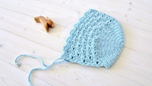 How to crochet a pretty lace baby / children's bonnet