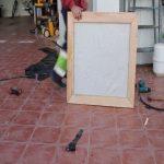 como hacer ventana jardín vertical con madera reciclada 2