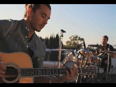 BUSH – Breathe (Rooftop Live)