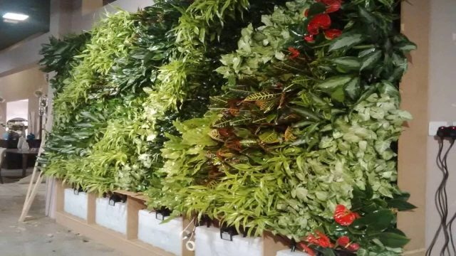 Green wall installation method