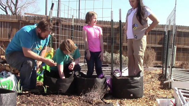 Gardening with Kids! – Getting Started with Growing Food Using Smart Pots