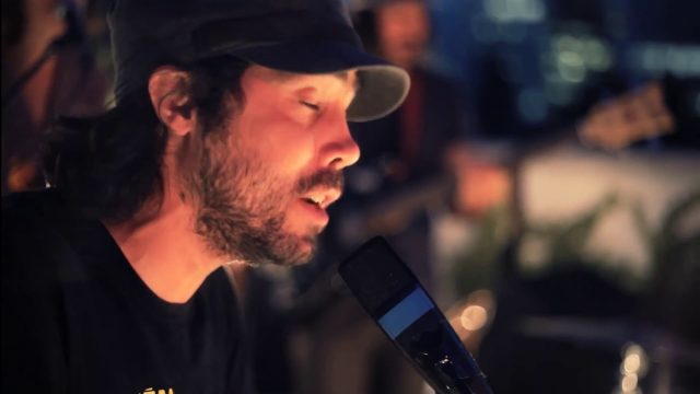 Patrick Watson – Up On The Roof (Live)