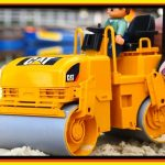 Sand Pit Toys: ROAD ROLLER – How to make a SAND GARDEN – Kids Construction Toys – Children's Videos
