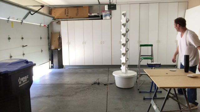 DIY Vertical Aeroponics Grow Tower Assembly