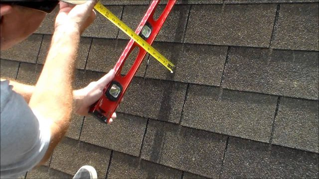 How to Find the Pitch of a Roof – with a Level and a Measurement Tape