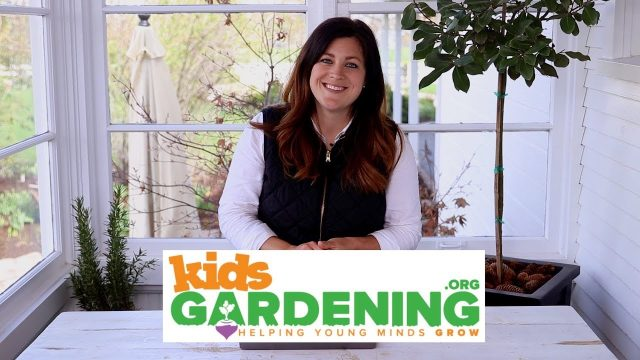 April is Kids Gardening Month! 🌿🤝💚// Garden Answer