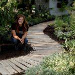 Pallet Walkway EASY DIY PROJECT! // Garden Answer