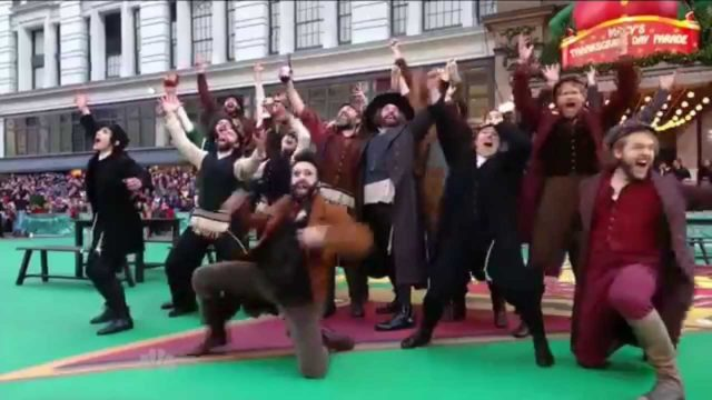 "FIDDLER ON THE ROOF (Broadway) – ""To Life"" [LIVE @ Macy's Thanksgiving Day Parade]"
