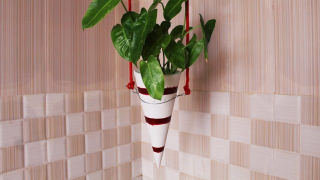 Hanging planters indoor. cement craft ideas | how to make hanging planters with Cement.