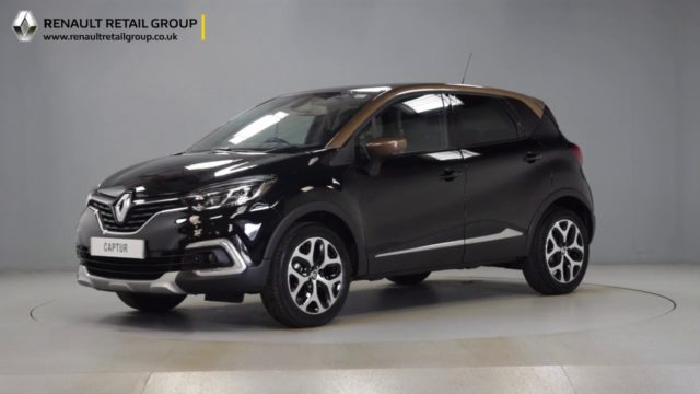 Renault Captur Signature X Black Brown Roof