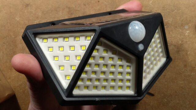 100 LED solar garden light teardown (with schematic).