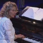 Carole King – Up on the Roof (from Welcome To My Living Room)