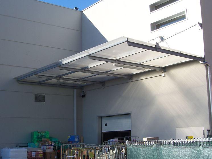 Shelter, polycarbonate canopy