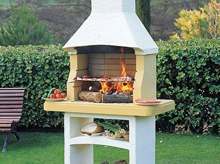 Barbecue in the garden, with hood and side bases