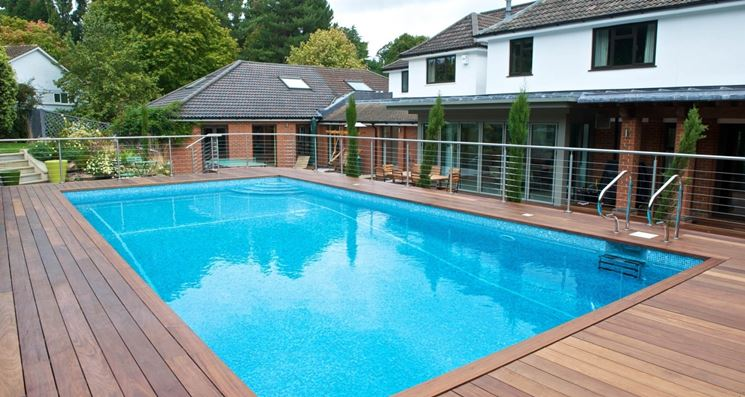 Wooden flooring for swimming pools