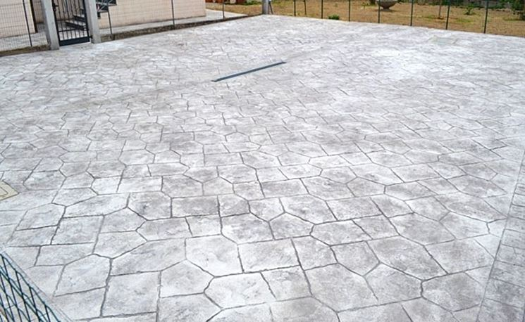 External floor in stamped concrete