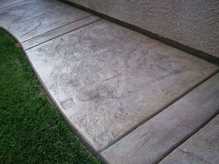 Non-slip outdoor tiles