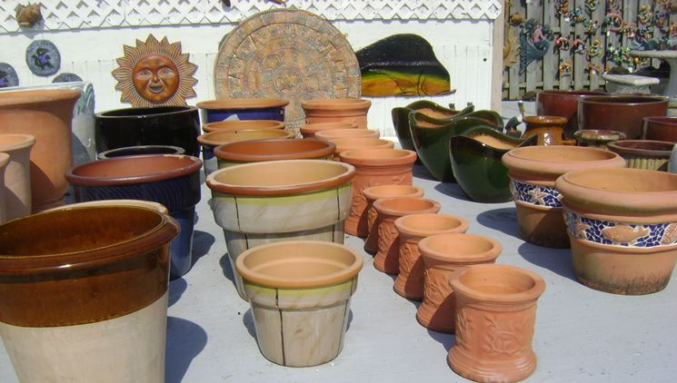 Different types of plant pots