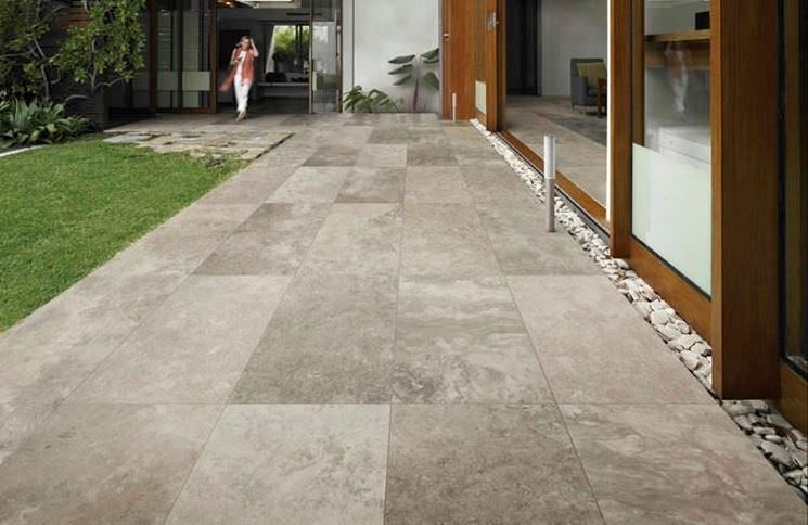 Narrow stone floor